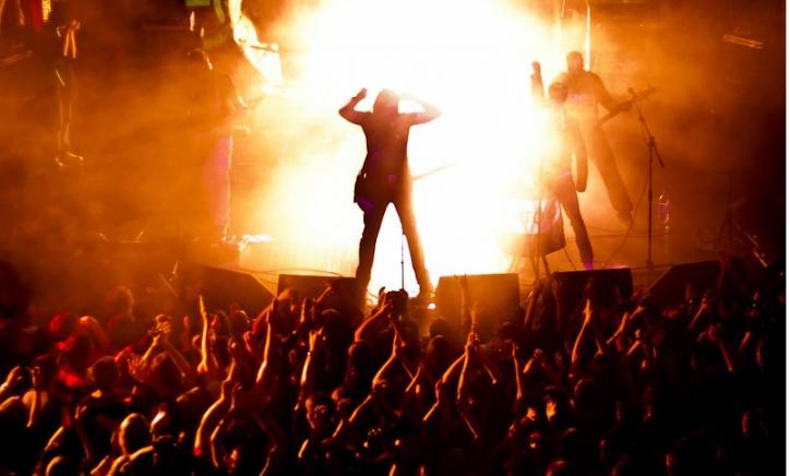 """Результат пошуку зображень за запитом """"рок-концерт"""""""
