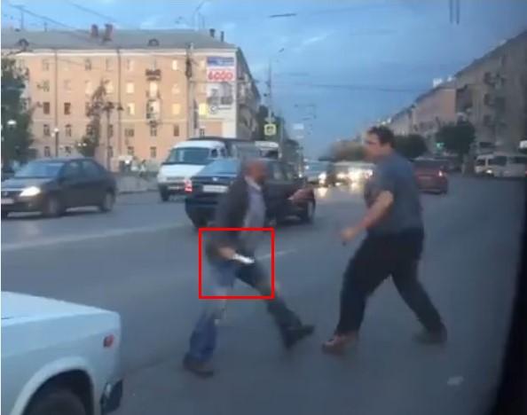 В Рязани маршрутчик и таксист